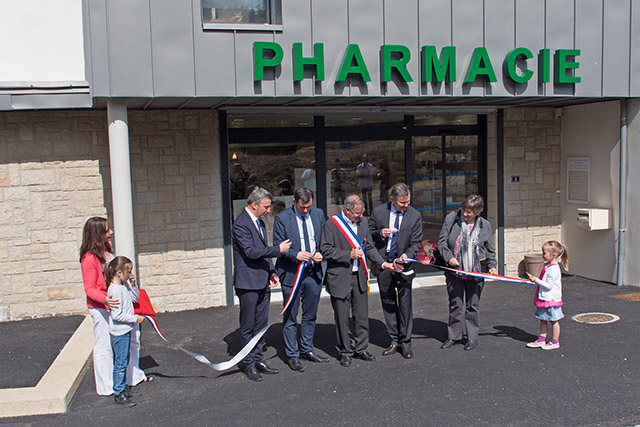 30 mai 2015 : inauguration Pharmacie - Logements