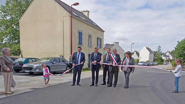 30 mai 2015 : inauguration Carrefour du Château - RD233