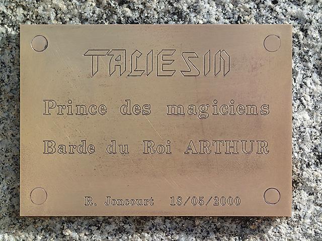 Le barde TALIESIN - La Forest-Landerneau - Parvis de la mairie