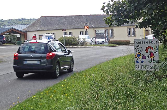 Contrôle de vitesse devant l'école Georges Brassens